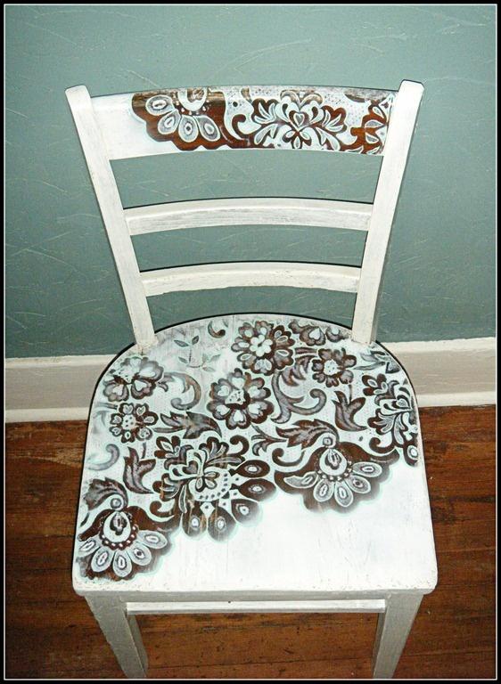 Красим стулья своими руками